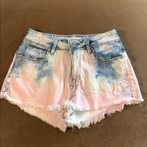 Bullhead jean shorts size 3